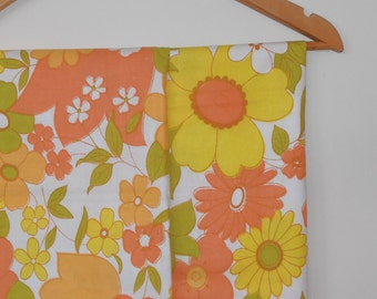 sunny days...pair of vintage cotton pillowcases