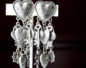 Queen of HEARTs !  Vintage Boho Heart Dangle Earrings