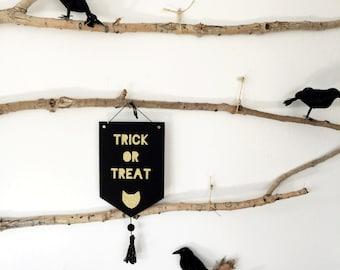 Halloween Felt Sign Trick or Treat
