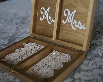 Mr. & Mrs, Ring Box, Ring Holder, Wedding Ceremony Ring Holder, Ring Bearer Box, Wedding Ring Box, Wedding Day, Wedding, Ring Box, Rings