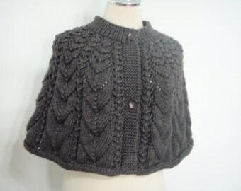 Knitwear capelet style