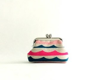 Waves Coin Purse Frame Mini Pouch Mini Jewelry Case with Ring Pillow