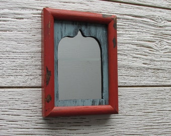 moroccan style - vintage mirror - Rustic Red - feng shui