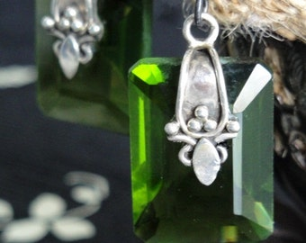 ANNE BOLEYN Emerald Green Antique Crystal Earrings. Sterling Silver. Art Nouveau. Unique Statement Jewelry. Artisan Assemblage