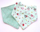 SALE:  Bibdana Gift Set - Bandana Drool Bibs for Baby Girl - Teething - Cotton Terry Slouchy Style - Vintage Floral Calico Style in Mint