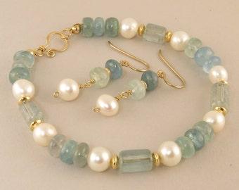 Light Blue Aquamarine and Pearl Gemstone Single Strand Bracelet Gift Set