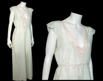 Flowy 1920s 1930s silk satin wide leg pajamas Medium ~ pale mint green w pink trim and lace ~ cap sleeve ~ elephant palazzo pants 20s 30s