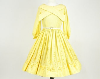 Vintage 50s Dress, 1950s Rockabilly Dress, Full Skirt Dress, New Look Dress, Embroidered Yellow Cotton Day Dress - Medium
