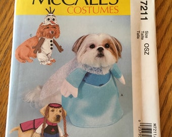 McCall's Frozen costumes for dogs. Pattern M7211. New.
