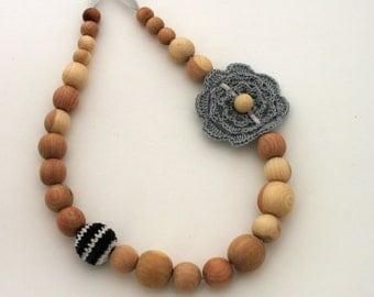 Night Grey Shades Nursing Necklace / Teething necklace / Flower Necklace