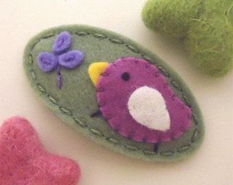 Felt hair clip -No slip -Wool felt -Orchid bird and a sprout -tea green