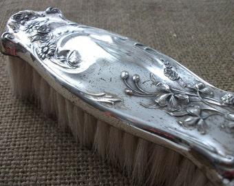Antique  Brush Grooming