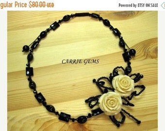 20% OFF ON SALE Onyx and Resin Flower Necklace
