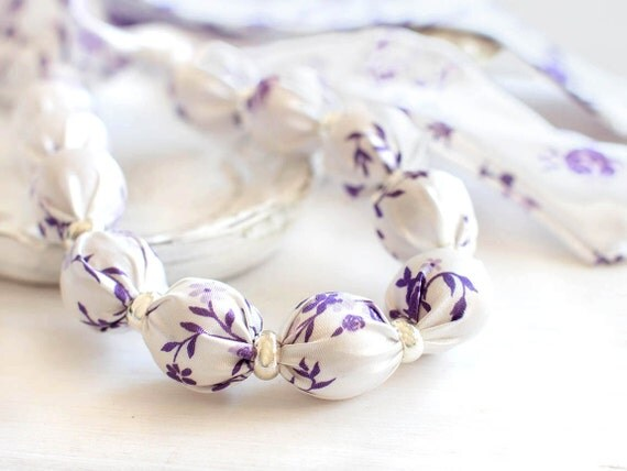 Fabric bead necklace White and purple