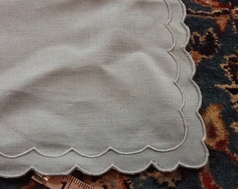 Vintage Linen Placemats set of Four 4 Scalloped Edges Blue