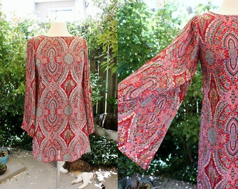 Red Print Paisley Angel Sleeve Dress  Medium Vintage Retro 90's Pleats Polyester Boho Hippie Hipster