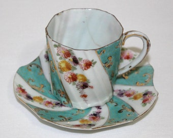 Antique Unmarked Nippon Hand Painted Tea Cup and Saucer - Pinwheel Design - Selling As-Is  (638)