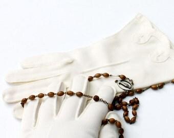 Vintage White Wedding Gloves Spun Nylon Decorative Cuff