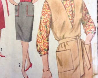 Vintage 1960's Sewing Pattern for a Shift Style Dress Simplicity 5067