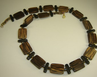 Wood Rectangles Necklace