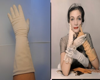 At Arms Length Darling - Vintage 1950s Beach Sand Beige Long Nylon Gloves - 7.5