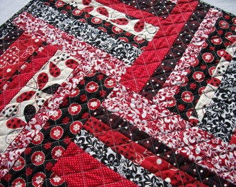 Red Black Table Topper Quilted Quiltsy Handmade FREE U.S. Shipping