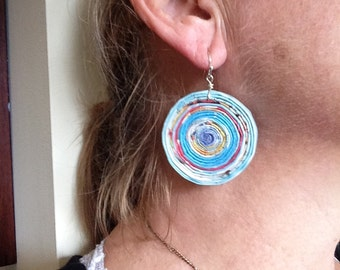 n. 14 AQUA blues and RED LARGE Round coiled recycled paper pierced earrings