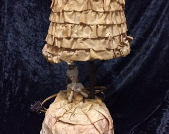 Incredible antique boudoir Lamp Silk and Ribbon Work Shade, Porcelain Doll in silk skirt (FFs5003)