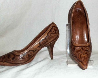 Vintage 1950s Rockabilly Hand Tooled Leather Stiletto Pumps  Made in Mexico by Joker