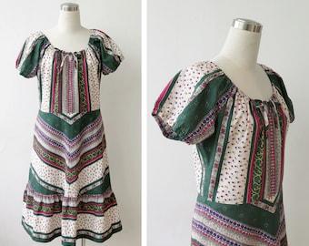 Free Shipping. 1970s Cotton Folk Boho Dress Floral Peasant Dress L XL Calico Print