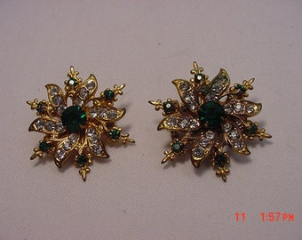 Two Vintage Matching Rhinestone Brooches Or Scatter Pins   16 - 490