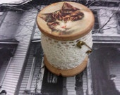 Vintage Cat Free shipping with additional purchase Wooden Spool Lace Antique