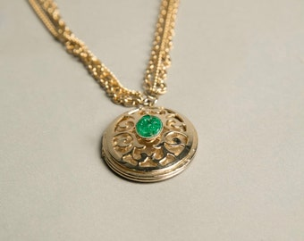 Green Golden Locket Chain Necklace Photograph Pendant Authentic Vintage Jewelry The Seventies 70s artedellamoda