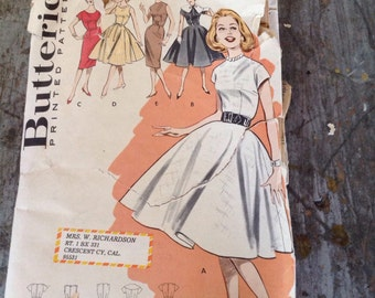 Vintage Butterick Sewing Pattern 9382 Junior Teen Dress Size 14 Bust 34
