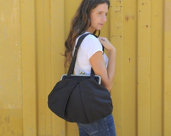black vegan shoulder bag with kisslock closure. free shipping. black bag. black purse. large kisslock bag