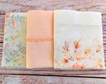 Vintage Pillowcases Bundle / Peach Florals / Set of 3 / Standard Size / Vintage Linens