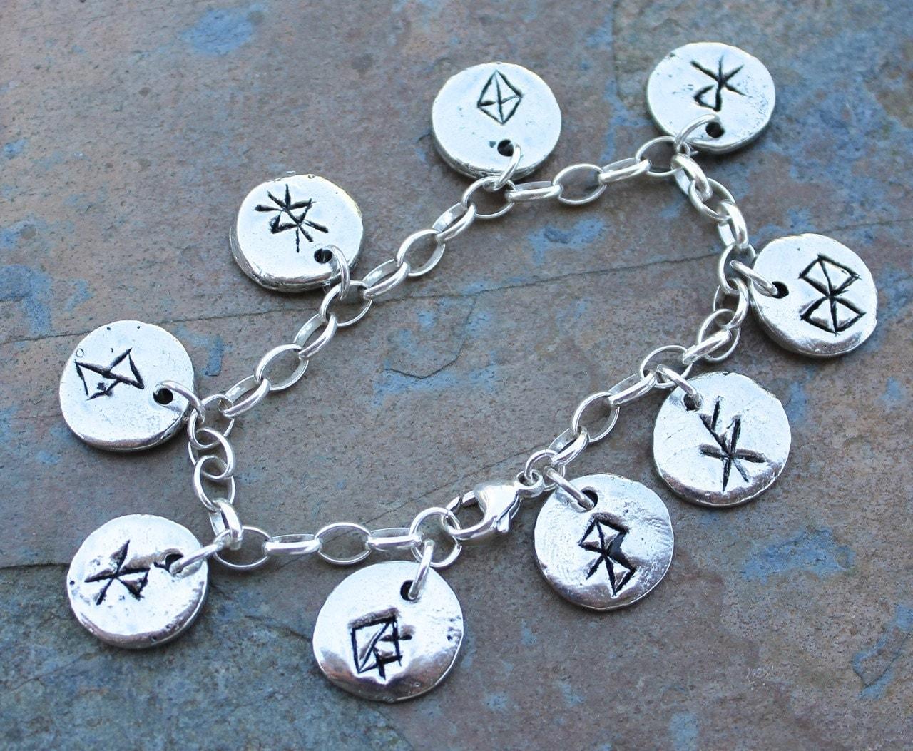 deluxe viking anglo saxon runic charm bracelet bind runes