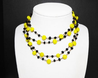 Black & Yellow Flapper Necklace - Yellow Rose Flower Beads - Black Ball Beads - Brass Link Chain - Art Deco Style Rope length