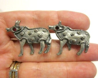 Silver Yak Red Rhinestone Cuff Links Silver Tone Horn Bull Cuff Link Set Men's Jewelry Suit Tie Accessories Gift for Him Gift for Dad
