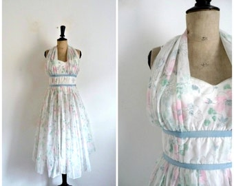 Vintage 1950s White and Flowers Summer Cocktail Dress / Size XS