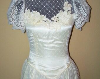 Vintage 1980s Antique Victorian Lace Dress Sz 6