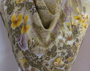 """Lovely Ivory Green Floral Soft Silk Scarf  // 30"""" Inch 76cm Square"""