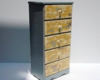Vintage 5 Drawer Petite Diminutive Shabby Small Dresser Nightstand / Storage Organization / Longerie Drawers / Supply Storage / Distressed