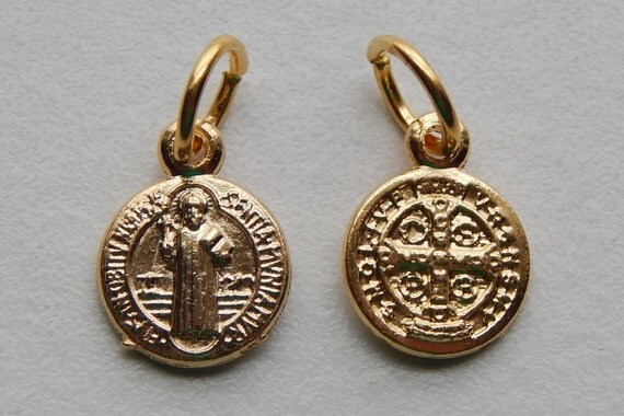 5 Patron Saint Medal Findings - Tiny St. Benedict, Die Cast Gold Plate, Bright Gold, Oxidized Metal, Made in Italy, Charm, Drop, RO102