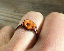 Orange Skull Howlite gemstone antique copper wire wrapped ring - SIZE 7.75 , 7 3/4 - stone wrap jewelry day of the dead - women men girl boy