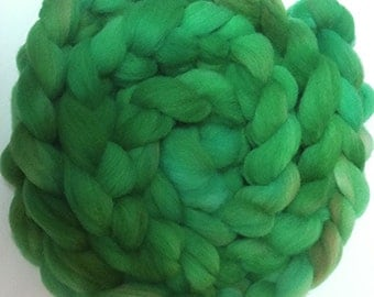 "Spinning or Needle Felting Roving Fiber Alpaca and Babydoll Southdown Wool 4 Ounce Braid Combed Top Green "" Jungle  ""  (2 avail.)"