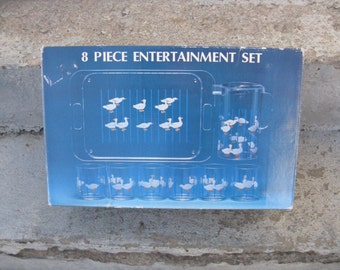 1980s 8 piece entertainment set acrylic duck drinkware new in box 1980s kitsch country outdoor entertaining 80s movie prop