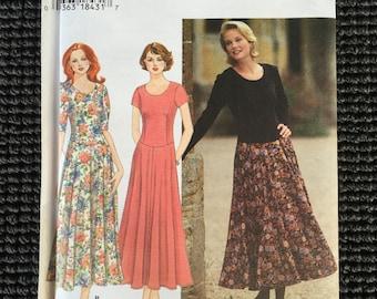 Simplicity 9885 Misses Petite Dress Sewing Pattern Size 12-16 UNCUT Scoop Scalloped Neck