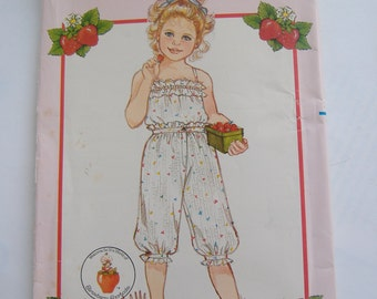 Butterick 4888, Children's Top and Knickers, Strawberry Shortcake Fashions, Size 5-6-6X. Uncut, 1982