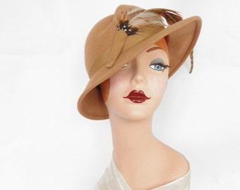 Vintage fedora hat, camel tilt with feather, 1960s Georgi